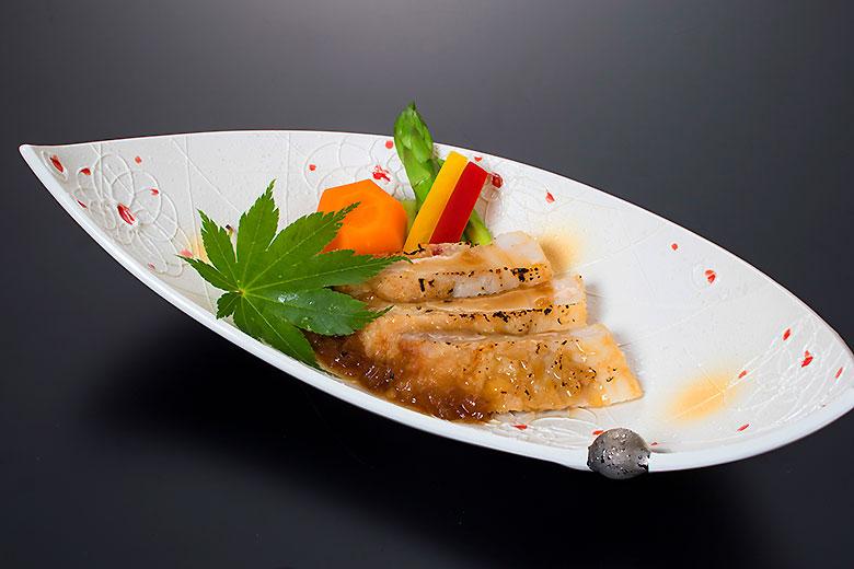 強肴:桜美豚照焼風オニオンソース
