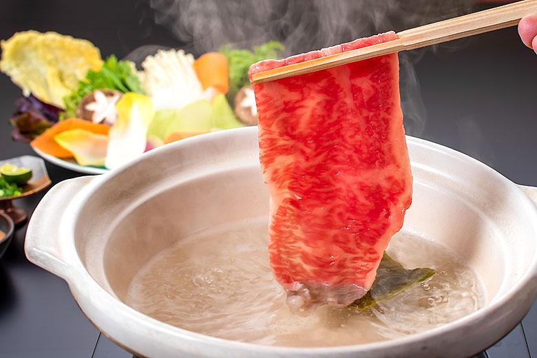 冬季限定の米沢牛と庄内地野菜の大鍋しゃぶしゃぶ会席